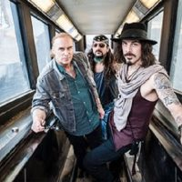 The Winery Dogs: Who Let The Dogs Out