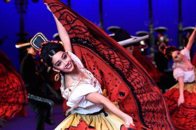 Ballet Folklórico de México de Amalia Hernández...